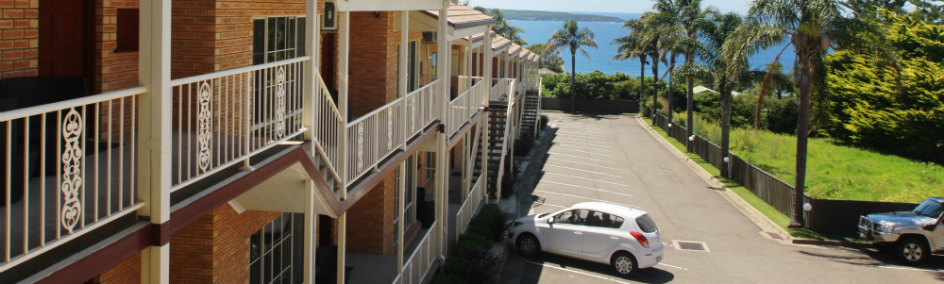 Twofold Bay Motor Inn offers a variety rooms suited to all travelling budgets with the best ocean views available.